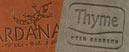 protege menu avignon en cuir avec logo gaufré personnalisé