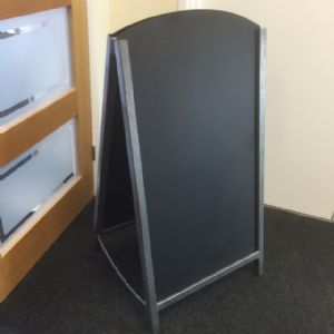 Medium sized silver metal A board (IT438)