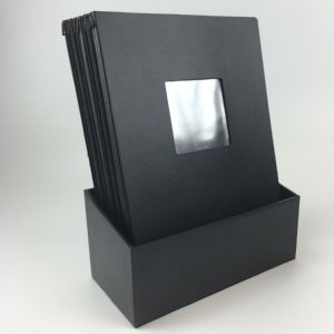Boxset with 12 A4 black menus (IT454)