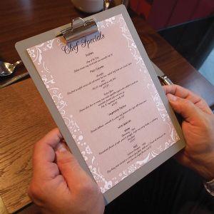 planchette de menu en métal pour présentation pratique de vos menus avec pince métal pour mieux insérer le menu de votre restaurant