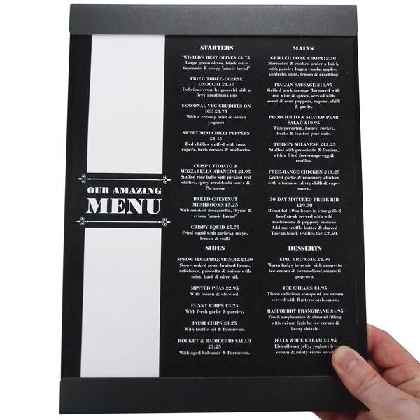 planchette de menu en métal pour présentation pratique de vos menus avec bandeau haut et bas pour mieux insérer le menu de votre restaurant